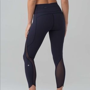 Lululemon Pace Perfect 7/8 Tight in Midnight Navy
